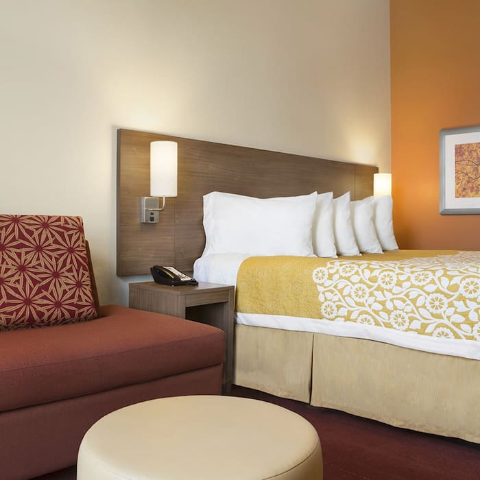 Days Inn Hotels Book Hotel Rooms Discount Rates And Deals