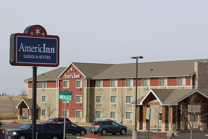 Americinn By Wyndham Cedar Rapids Cid Airport Cedar Rapids Ia Hotels