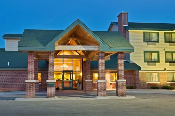 AmericInn by Wyndham Lincoln South   Lincoln, NE Hotels
