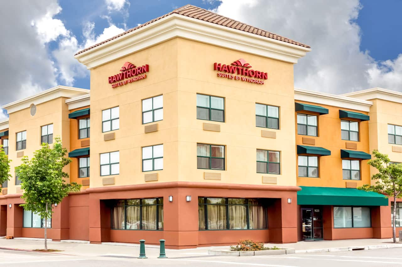 Hawthorn Suites by Wyndham Oakland/Alameda in  San Francisco,  California