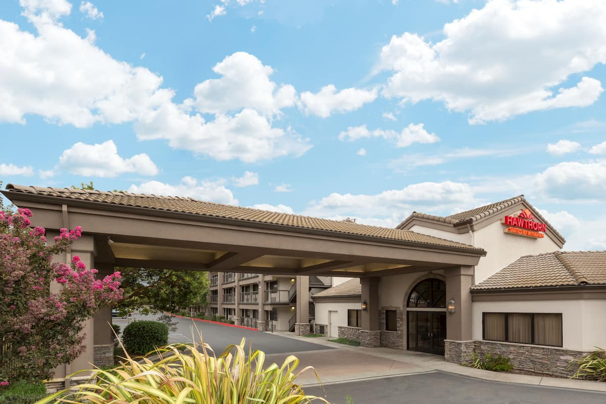 Exterior Of Hawthorn Suites By Wyndham Napa Valley Hotel In California