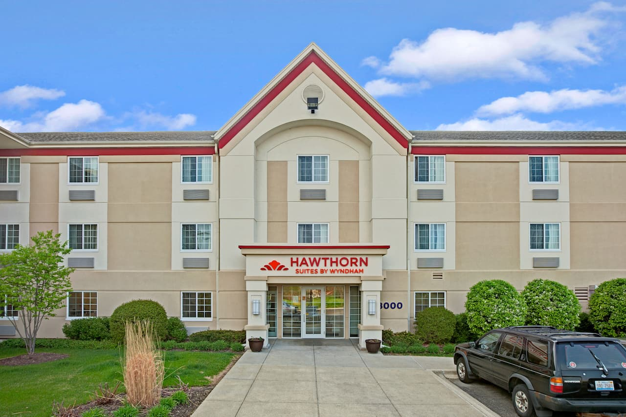 Hawthorn Suites by Wyndham Northbrook Wheeling in  Chicago,  Illinois