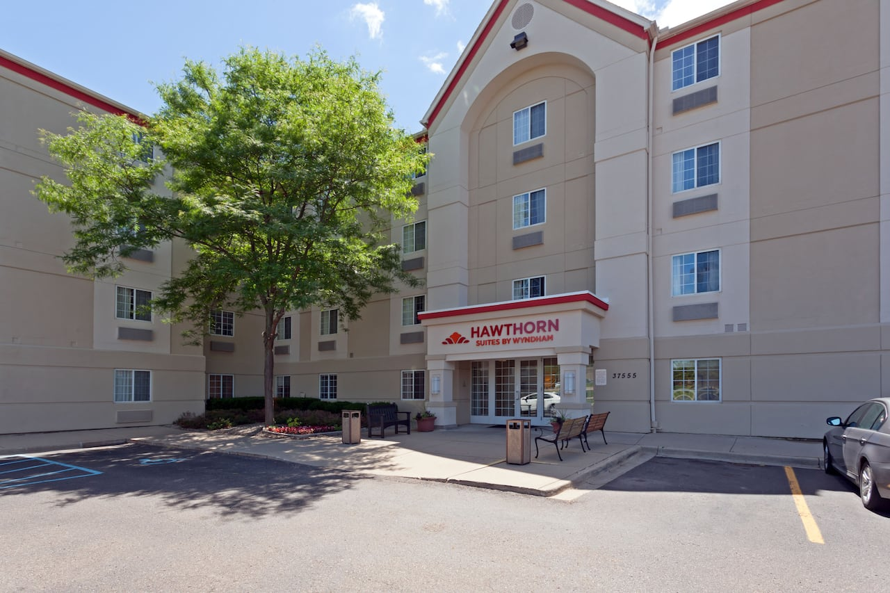 Hawthorn Suites by Wyndham Detroit Farmington Hills in  Windsor,  Ontario