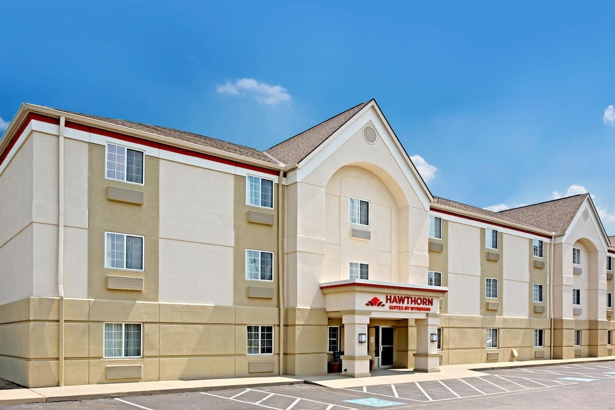 Exterior Of Hawthorn Suites By Wyndham Cincinnati Blue Ash Hotel In Ohio