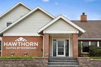 Exterior Of Hawthorn Suites By Wyndham Akron Fairlawn Hotel In Copley Ohio