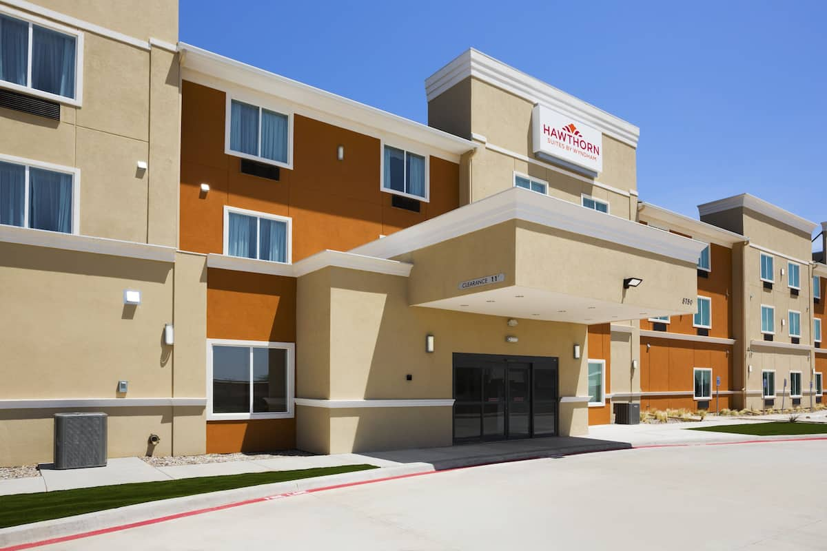 Exterior Of Hawthorn Suites By Wyndham San Angelo Hotel In Texas
