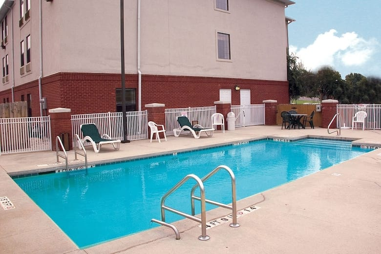 Pool At The Baymont Inn Suites Fultondale In Alabama