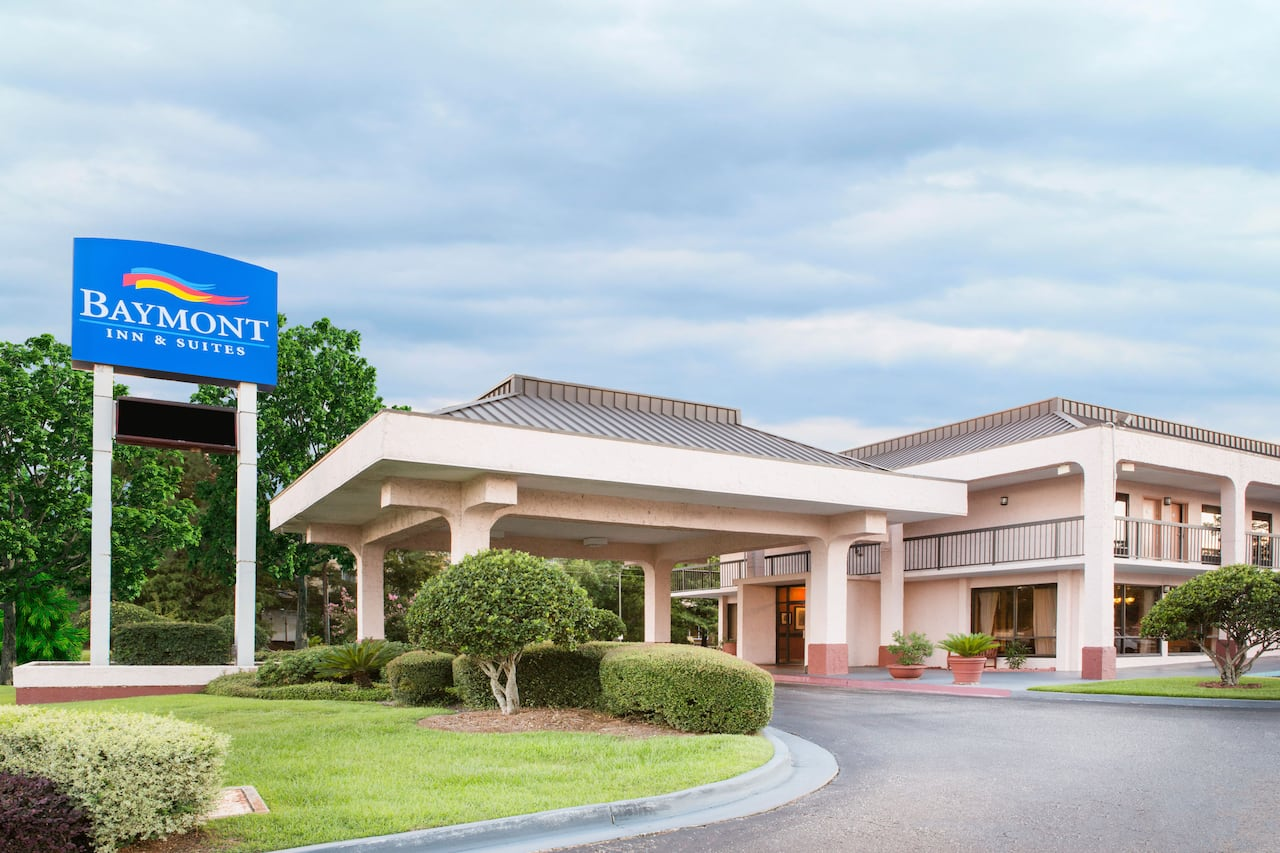 Baymont Inn & Suites Mobile/ I-65 in Mobile, Alabama