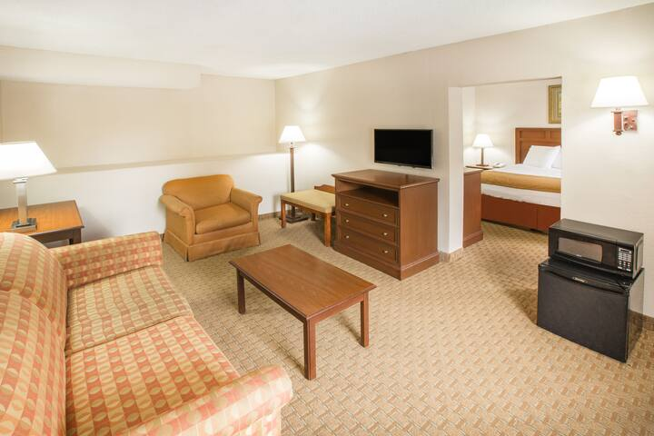 Guest room at the Baymont Inn & Suites Mobile/ I-65 in Mobile, Alabama