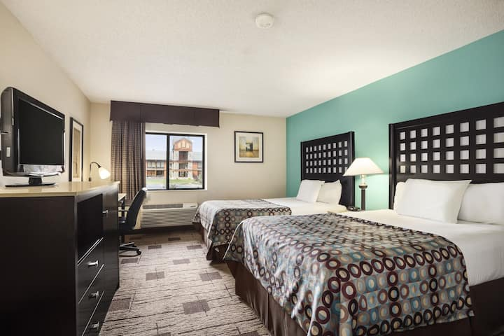 Guest room at the Baymont Inn & Suites Fort Smith in Fort Smith, Arkansas
