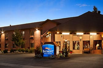 Exterior Of Baymont By Wyndham Anderson Hotel In California