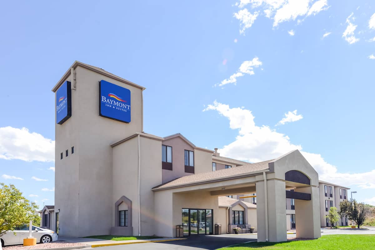 Exterior Of Baymont Inn Suites Pueblo Hotel In Colorado