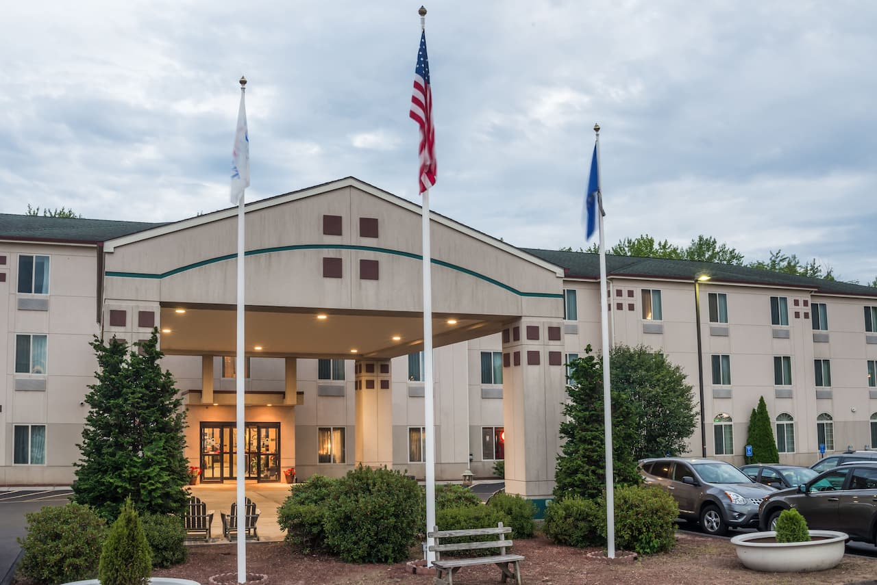 Baymont Inn & Suites Manchester - Hartford CT in West Springfield, Massachusetts