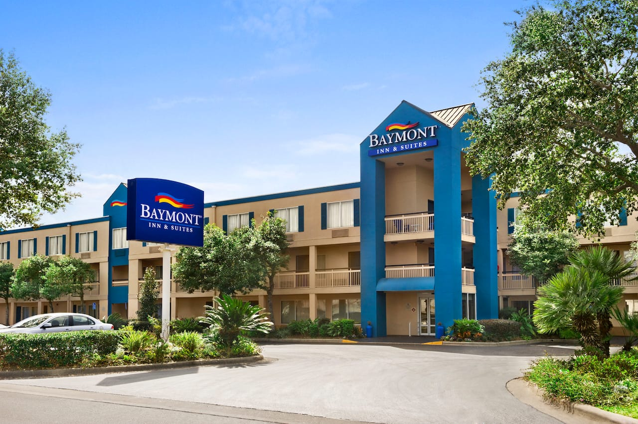Baymont Inn & Suites Gainesville in Gainesville, Florida