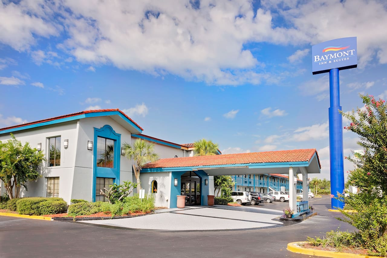 Baymont Inn & Suites Jacksonville Orange Park in Macclenny, Florida
