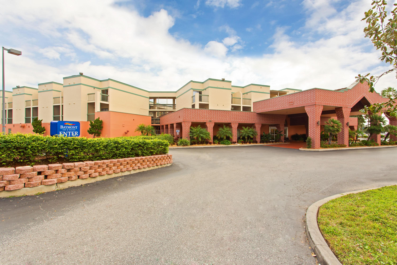 Exterior Of Baymont Inn U0026 Suites Tampa Near Busch Gardens Hotel In Tampa,  Florida