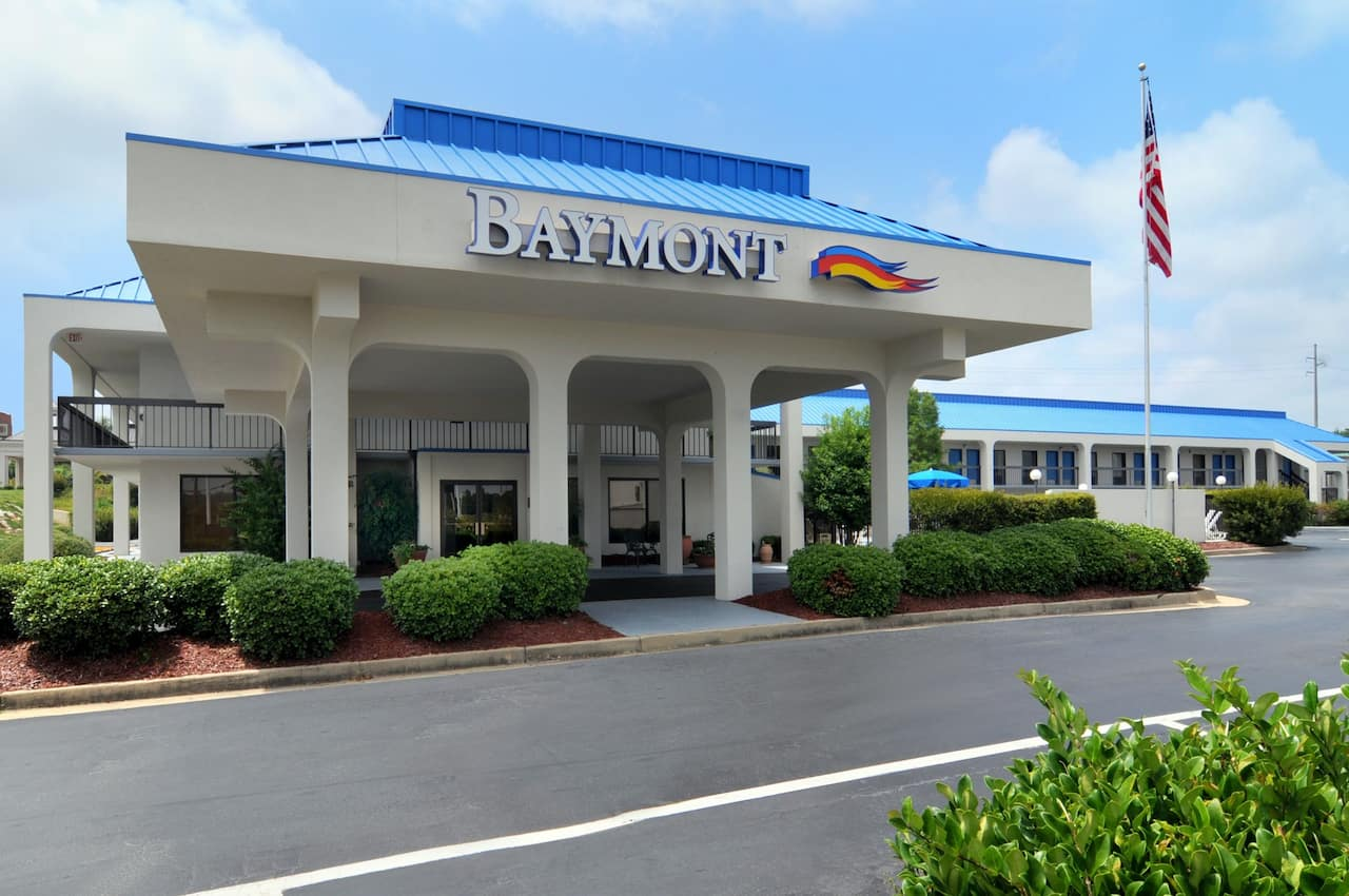 Baymont Inn & Suites Macon I-75 in Forsyth, Georgia