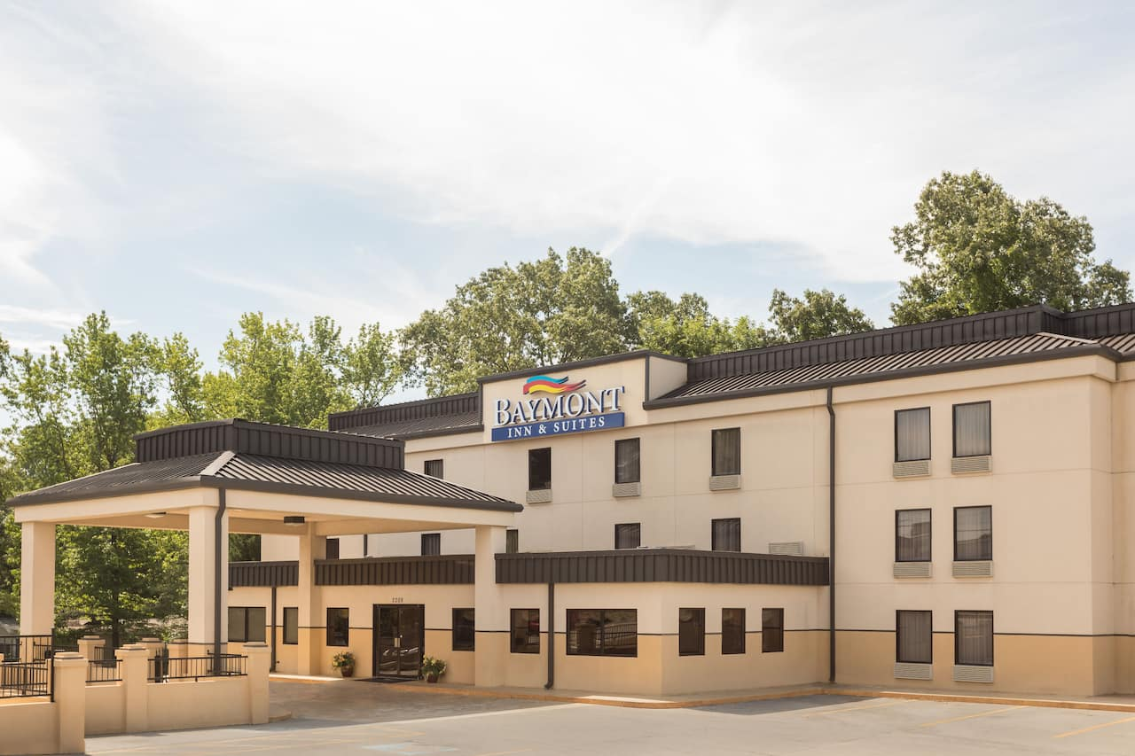Baymont Inn & Suites Rome West in Calhoun, Georgia