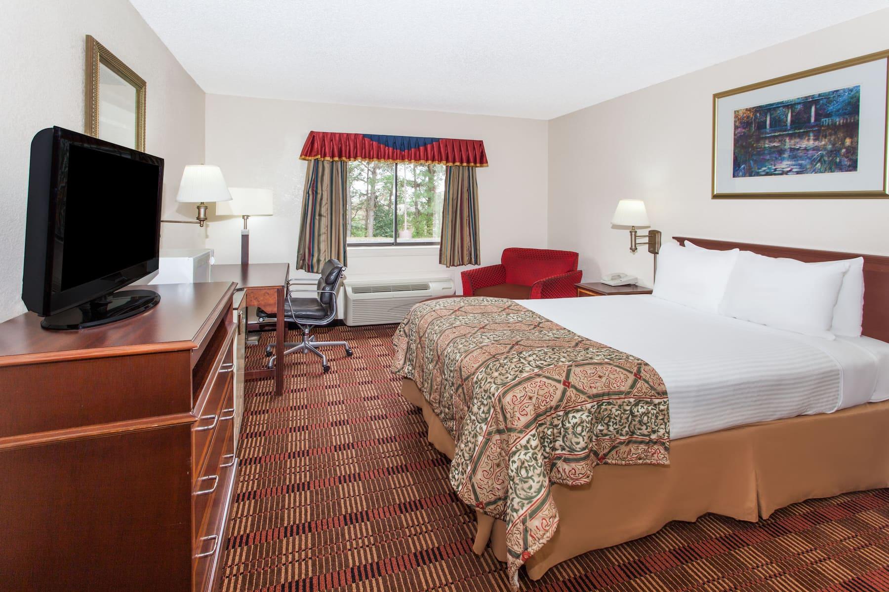 Baymont By Wyndham Smyrna Smyrna Ga Hotels