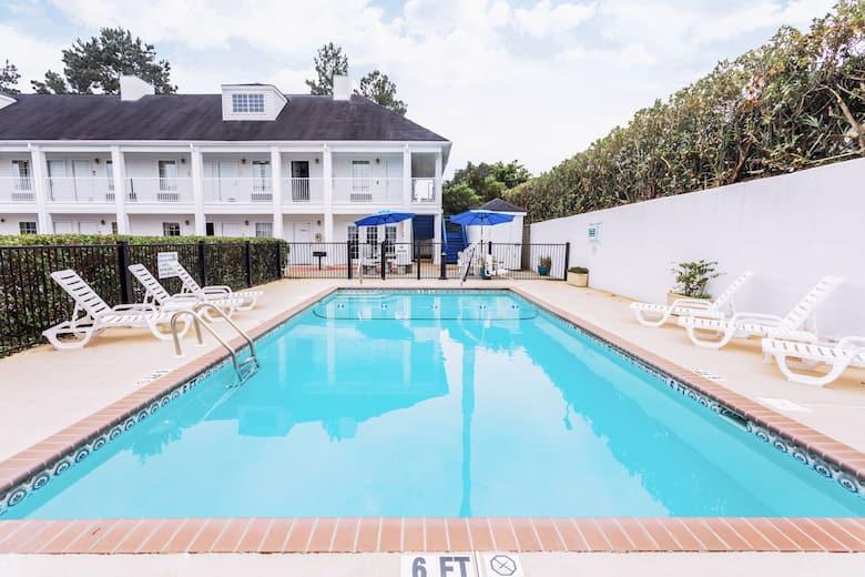 Pool At The Baymont Inn Suites Valdosta Mall In Georgia
