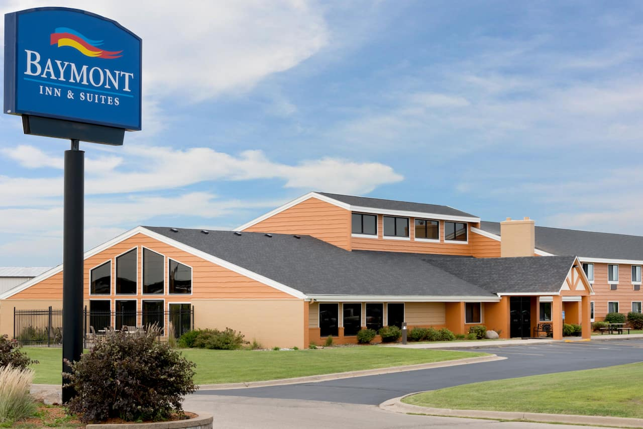 Baymont Inn & Suites Marshalltown in Marshalltown, Iowa