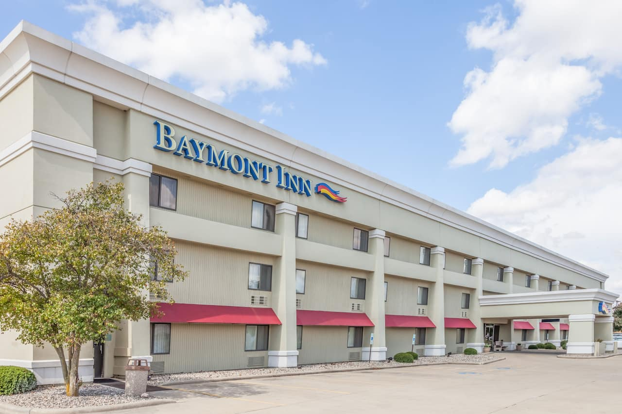 Baymont Inn & Suites Champaign in Rantoul, Illinois
