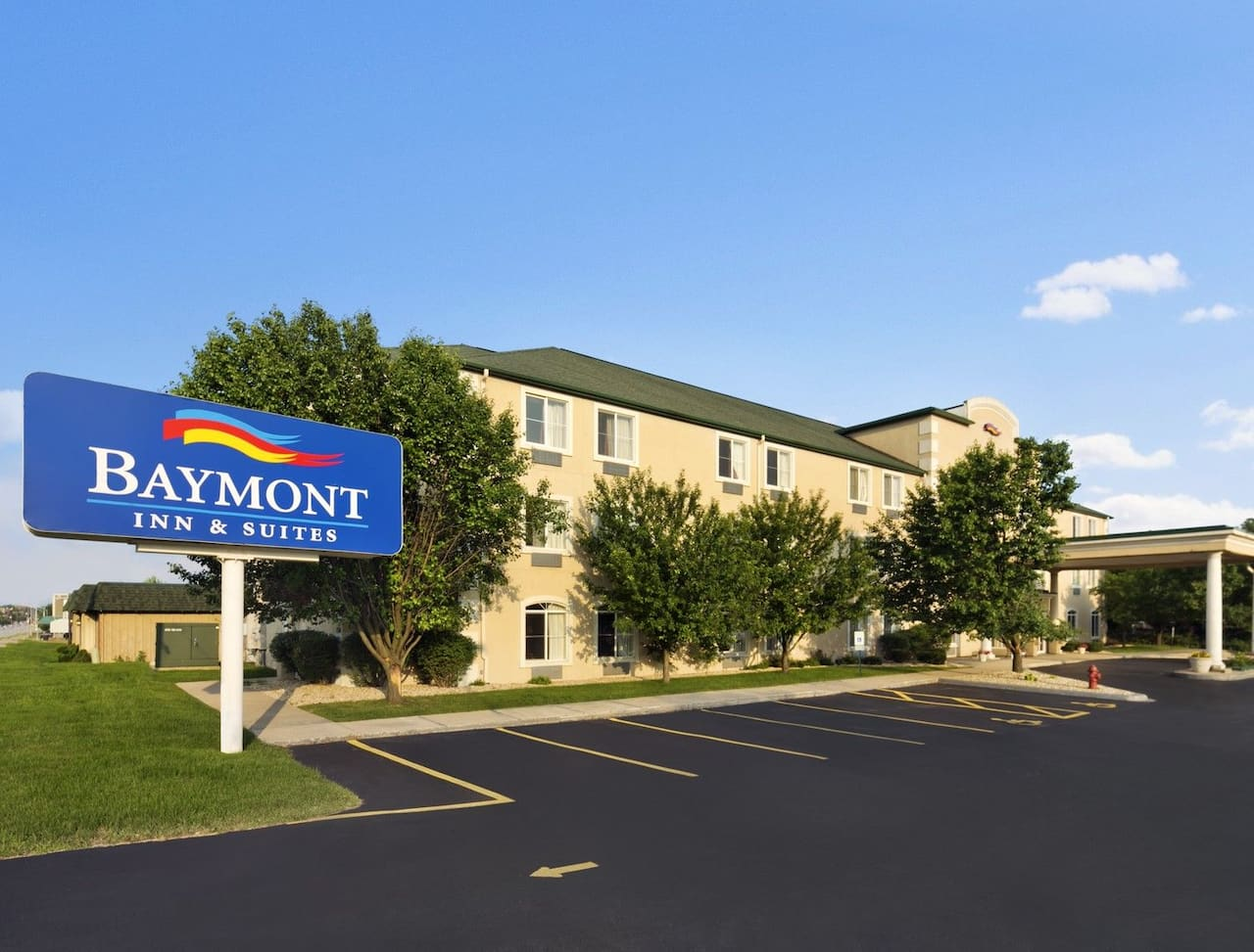 Baymont Inn & Suites DeKalb in Hinckley, Illinois
