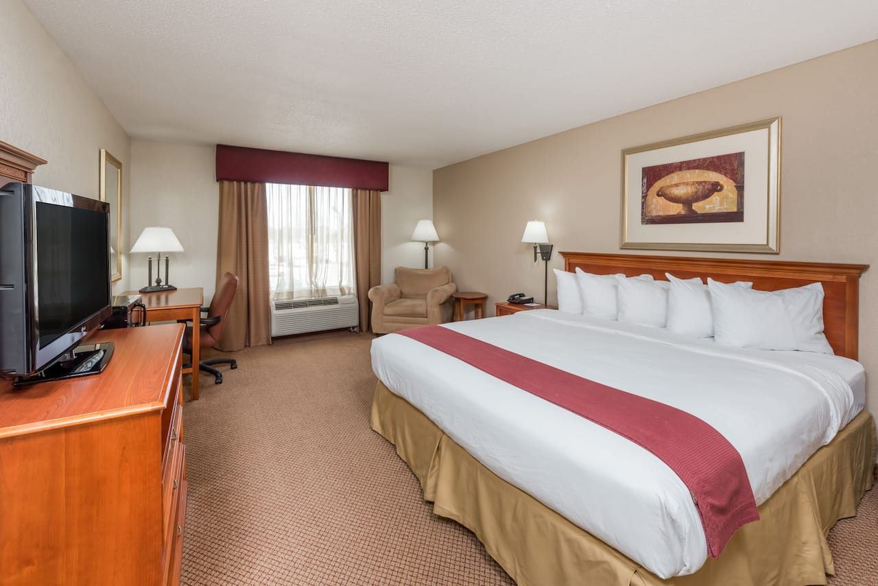 at the Baymont Inn & Suites Highland in Highland, Illinois