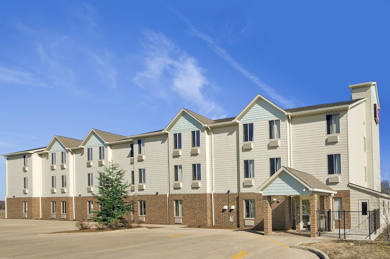 Baymont Inn & Suites Jacksonville in Jacksonville, Illinois