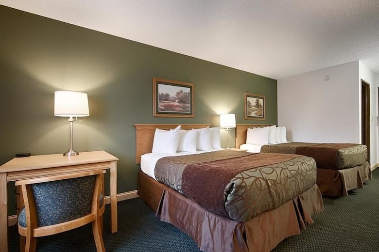 Guest Room At The Baymont Inn Suites Robinson In Illinois