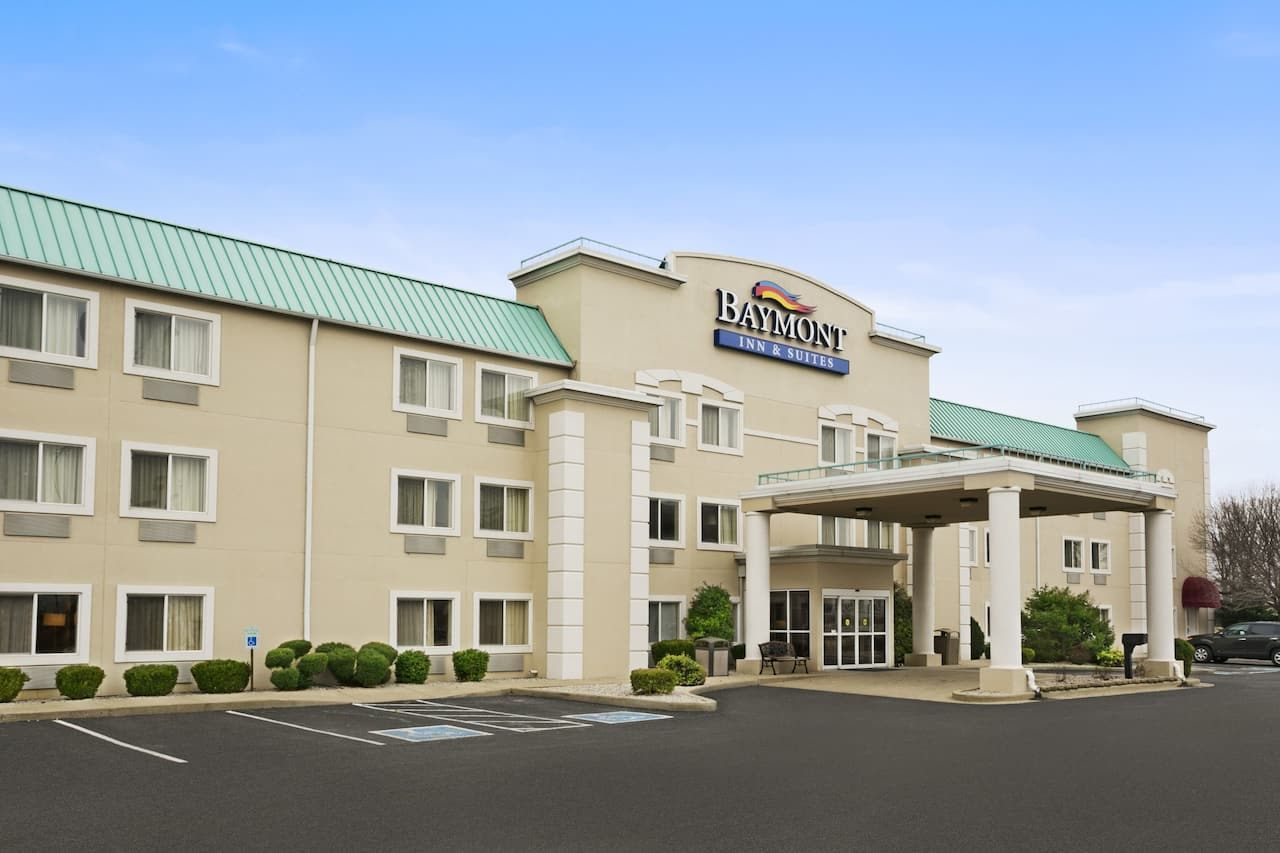 Baymont Inn & Suites Evansville North/Haubstadt in Oakland City, Indiana