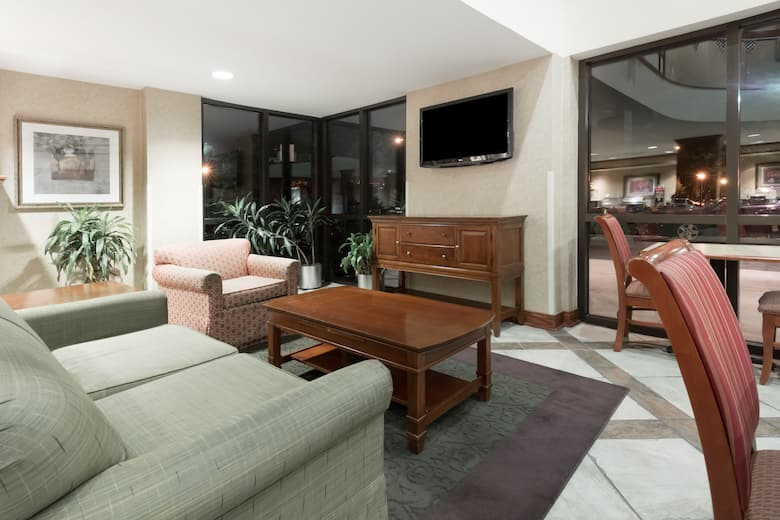 Baymont Inn Suites Indianapolis In Hotel Rates