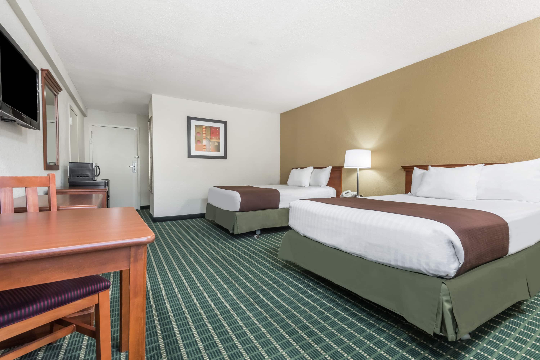 Baymont Inn Suites Kokomo Kokomo Hotels IN 46902 3900