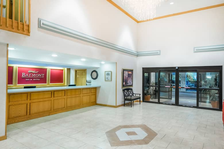 Baymont By Wyndham Plainfield Indianapolis Arpt Area Hotel Lobby In Indiana