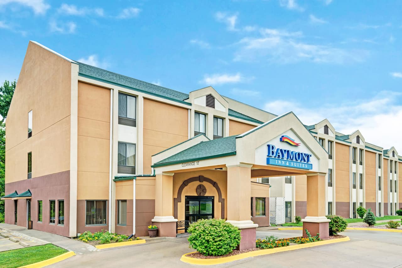 Baymont Inn & Suites Lawrence in  Lawrence,  Kansas