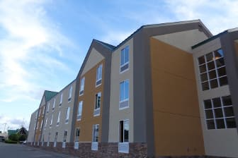 Exterior Of Baymont By Wyndham Kingston Plymouth Bay Hotel In Machusetts