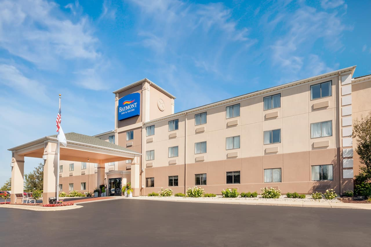 Baymont Inn & Suites Chelsea in Jackson, Michigan