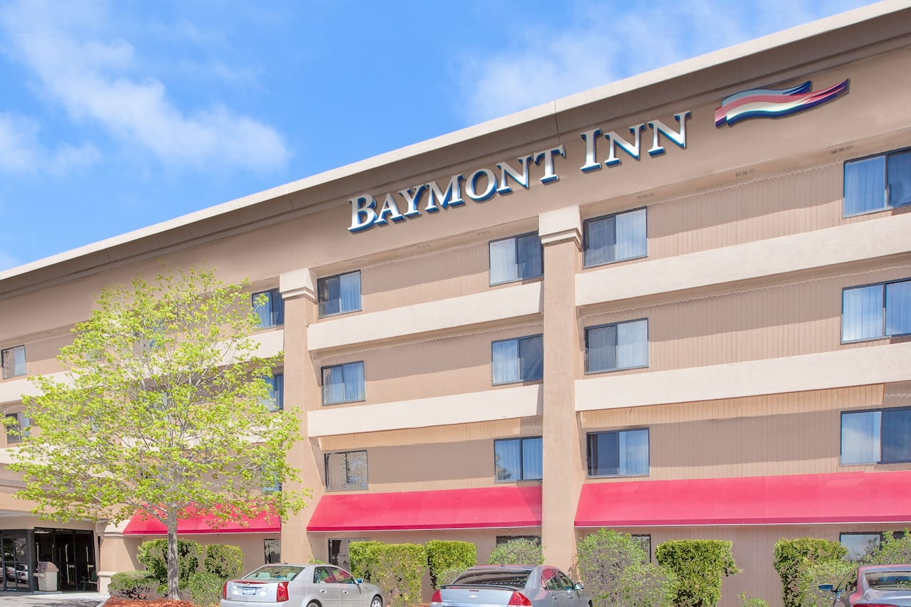 Baymont Inn & Suites Flint in Bridgeport, Michigan
