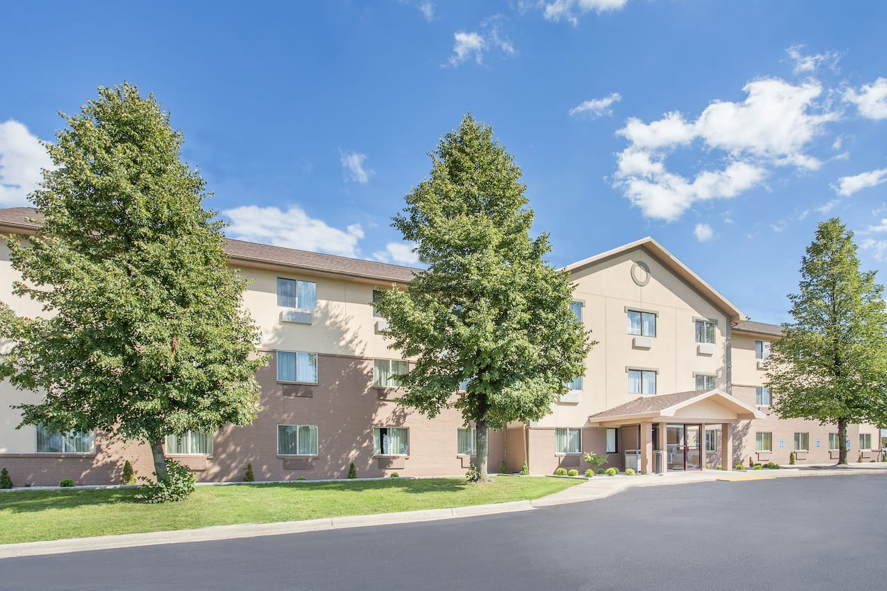 Baymont Inn & Suites Holland in Grand Haven, Michigan