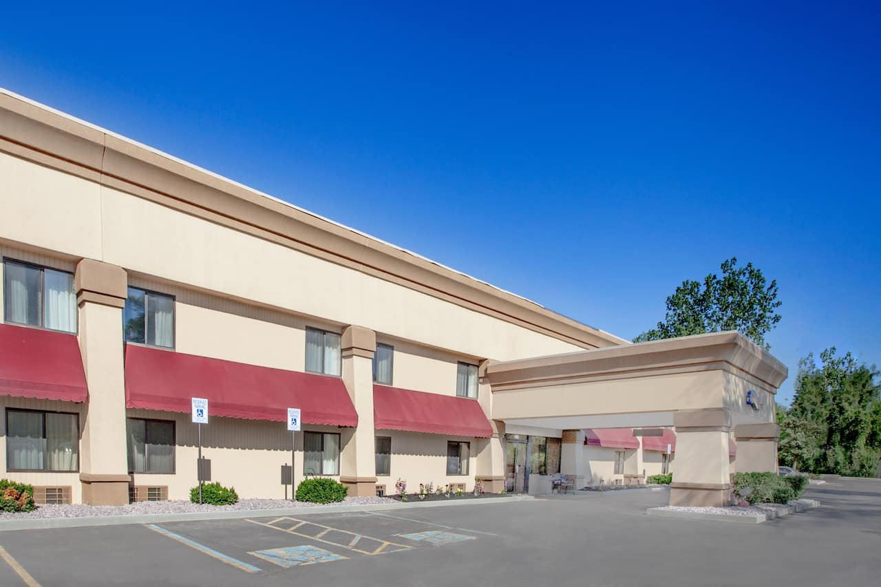 Baymont Inn & Suites Jackson in Albion, Michigan