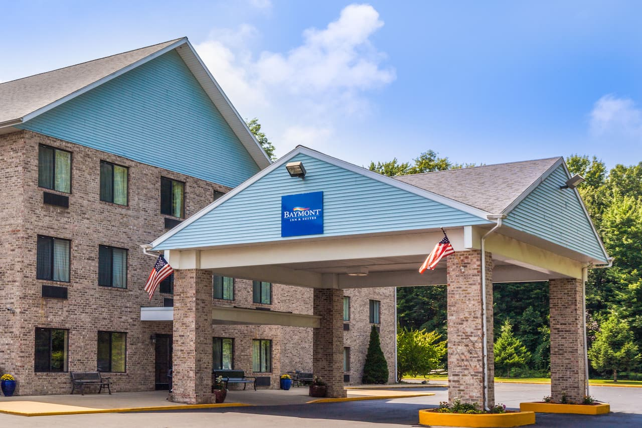 Baymont Inn & Suites New Buffalo in Stevensville, Michigan