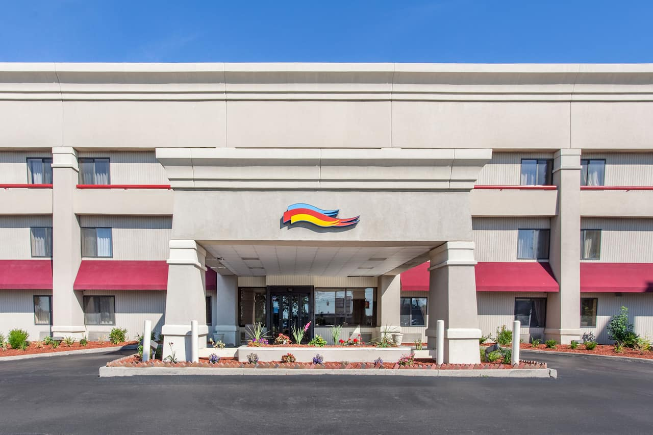 Baymont Inn & Suites Detroit/Roseville in Detroit, Michigan
