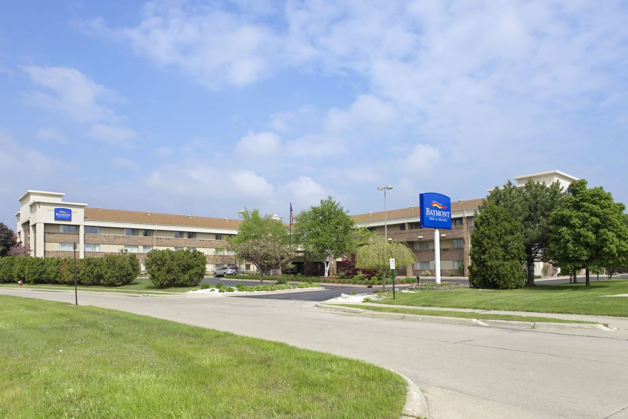 Baymont Inn & Suites Warren MI in Oak Park, Michigan