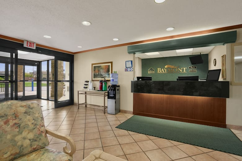 Baymont By Wyndham Sullivan Hotel Lobby In Missouri