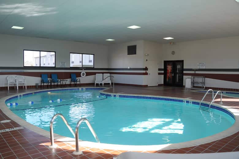 Pool At The Baymont By Wyndham West Plains In Missouri