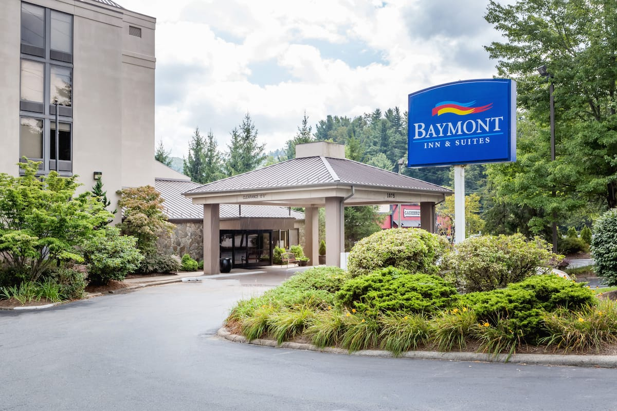 Exterior Of Baymont Inn Suites Boone Near State Hotel In North Carolina