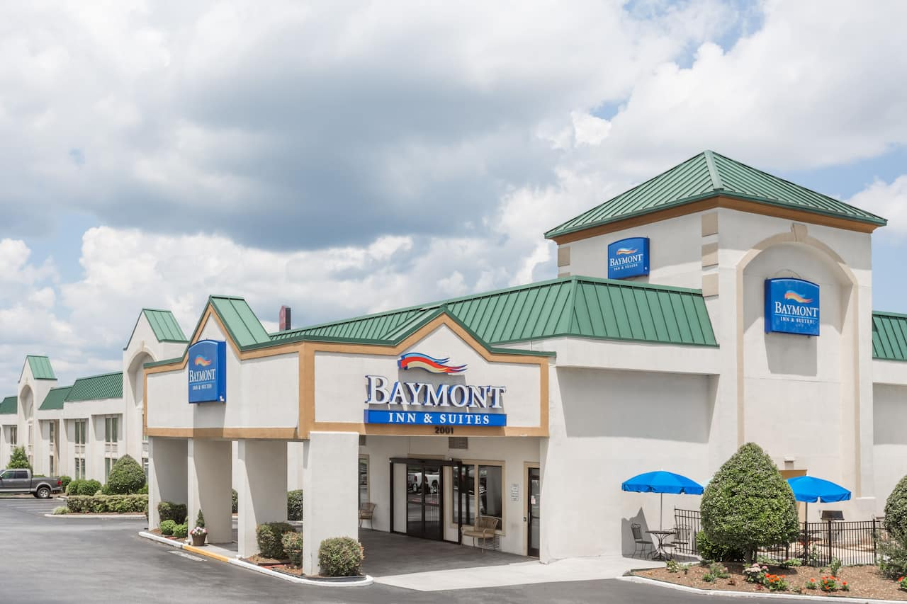 Baymont Inn & Suites Greensboro/Coliseum in Burlington, North Carolina