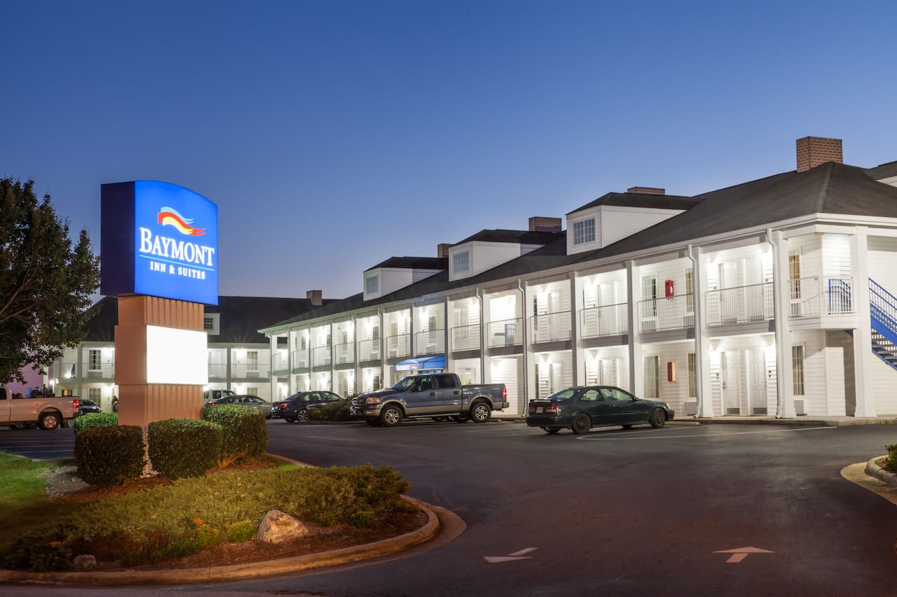 Baymont Inn & Suites Hickory in Lenoir, North Carolina