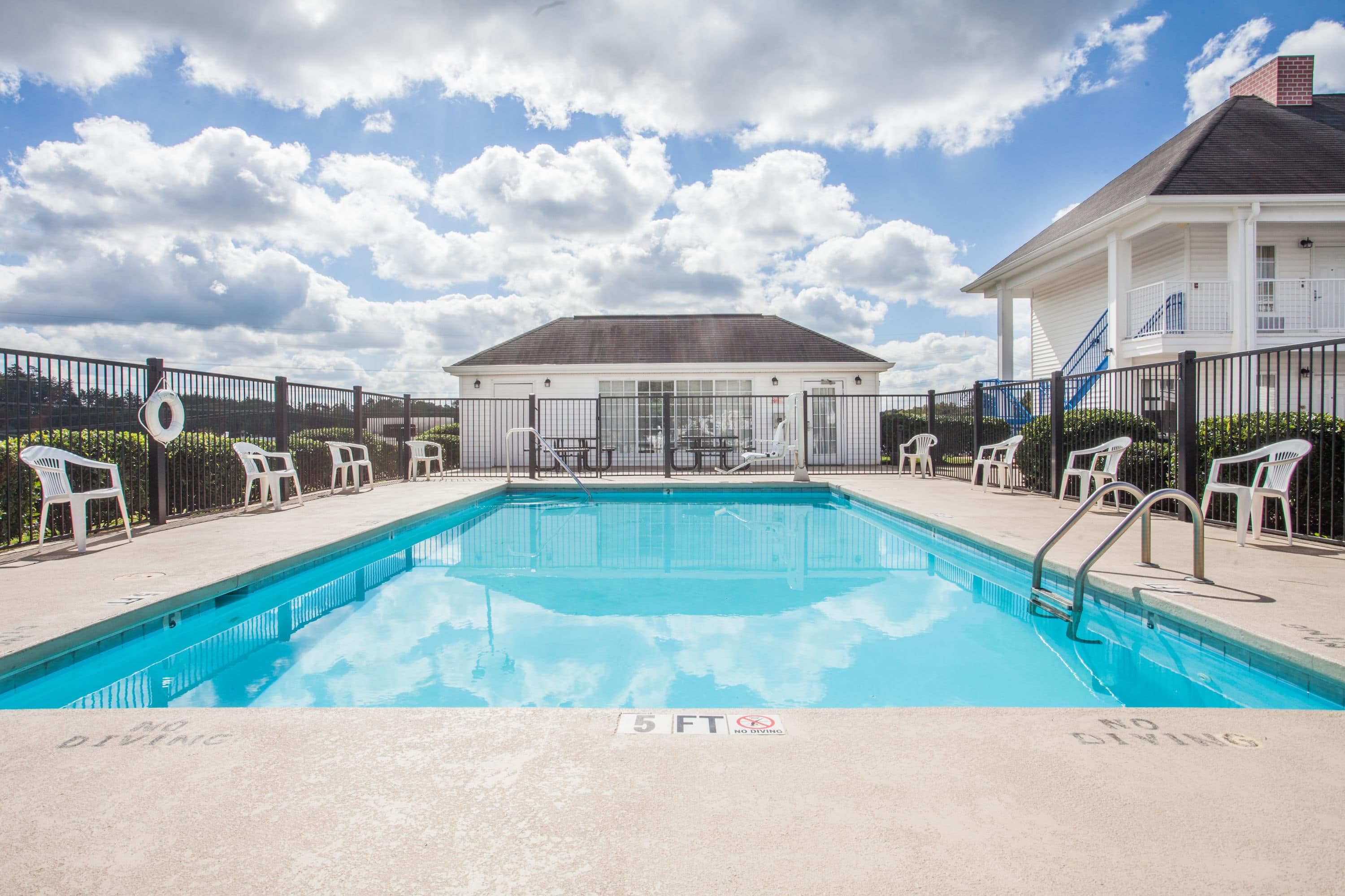 Ordinaire Pool At The Baymont By Wyndham Hickory In Hickory, North Carolina