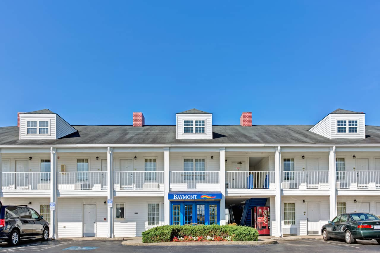 Baymont Inn & Suites Sanford in Sanford, North Carolina